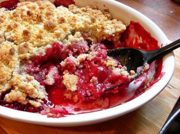 Sour cherry crumble pie 1 | BAKE | Pinterest