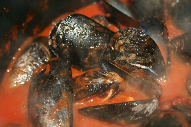 Spicy Tomato Mussels! | Paleo/Crossfit | Pinterest