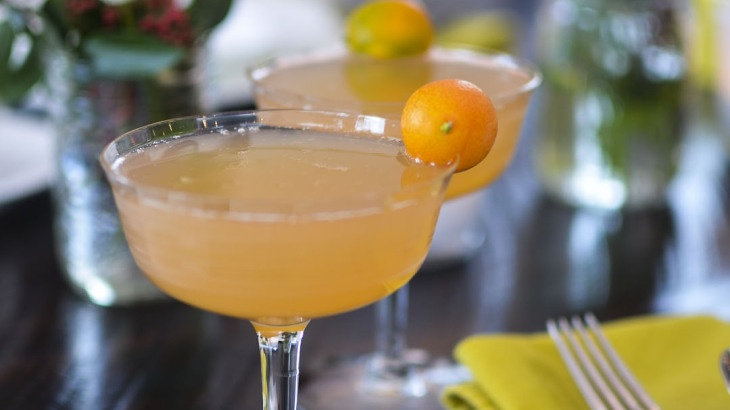 Grapefruit Mimosas for a Crowd