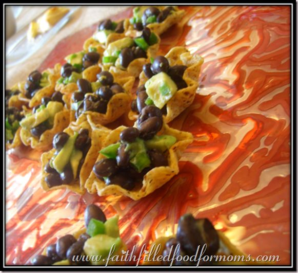 Spicy Black Bean and Avocado Appetizers. This would be good just as a ...