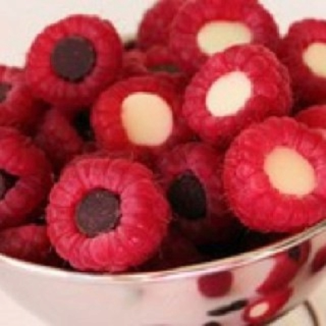 Raspberries Stuffed With Chocolate Chips | life is short, food is yum ...