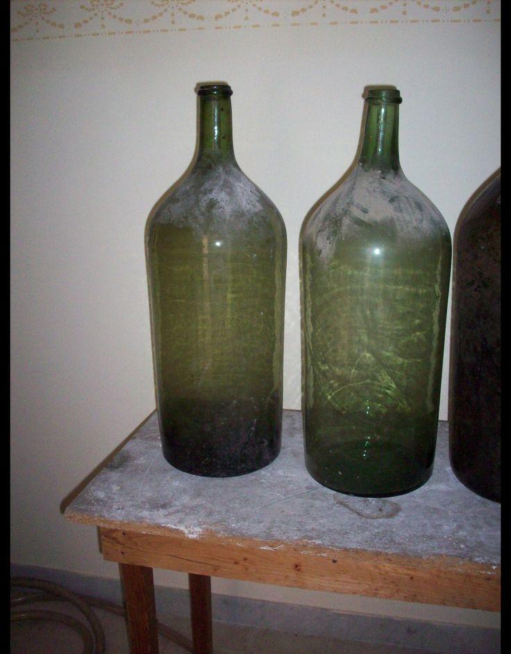 Dating antique wine bottles