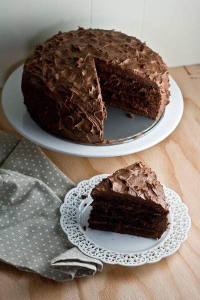Hummingbird High: The Brown Betty Bakery's Chocolate Sour Cream Cake ...