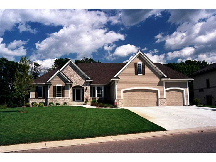 Luxury all brick ranch home home designs pinterest for Executive ranch homes