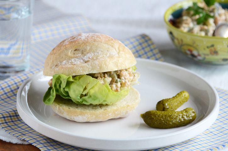 "THE ULTIMATE MOCK ""TUNA"" SALAD. (Vegetarian). For my vegetarin frie..."