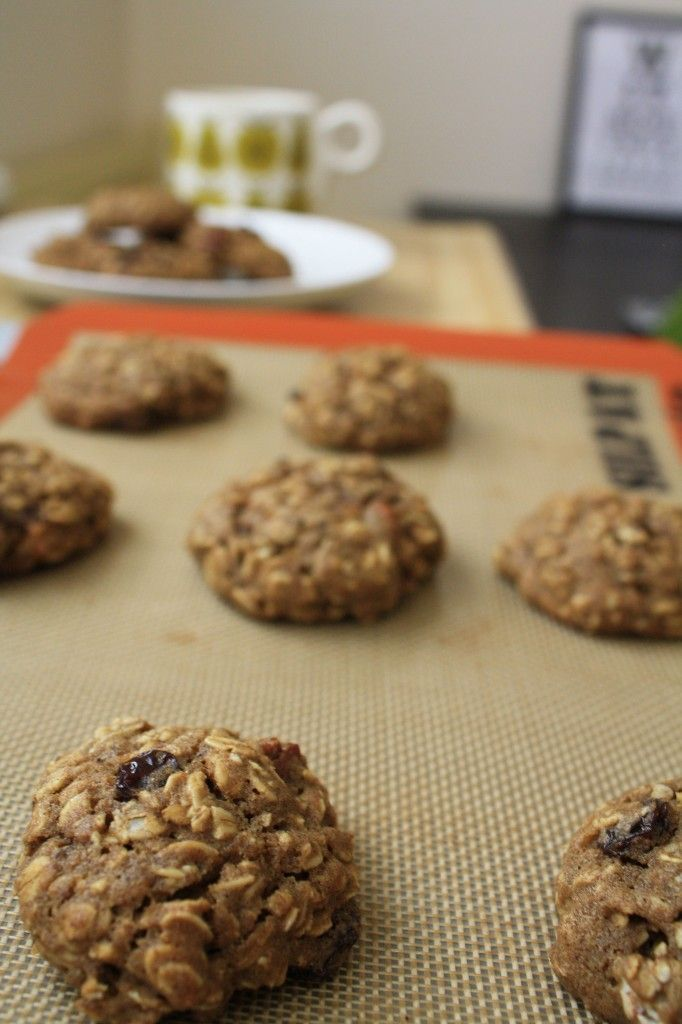 ... RECIPES | DESSERT RECIPES- Spiced Oatmeal Pumpkin Pecan Cookies