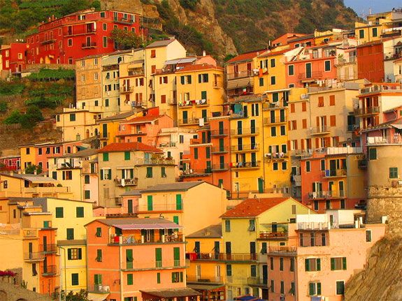 The beautiful oranges, reds, and yellows of Italy!