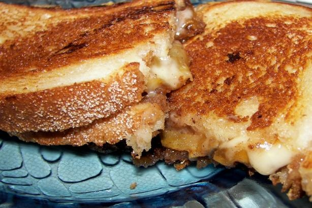 Grilled Havarti Sandwich With Spiced Apples | Recipe
