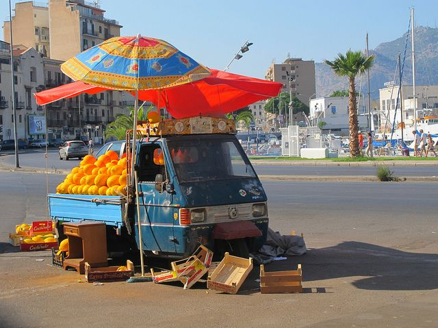 yellow melon seller; palermo