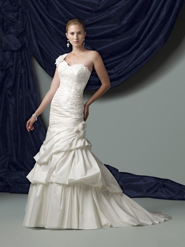 Plus Size Wedding Gowns New York - Boutique Prom Dresses