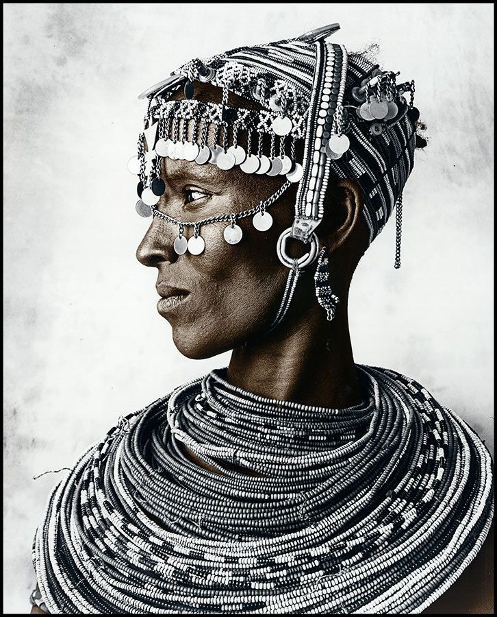 Puts all other accessorizing to shame. Incredible. Africa    Portrait of a Rendille woman   © Jan C Schlegel.