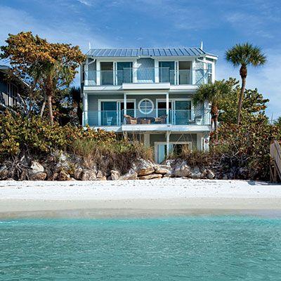 Romantic island beach house for Beach house look