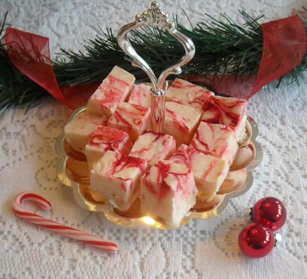 ... If so, what will you be making?? This Candy Cane Fudge looks amazing