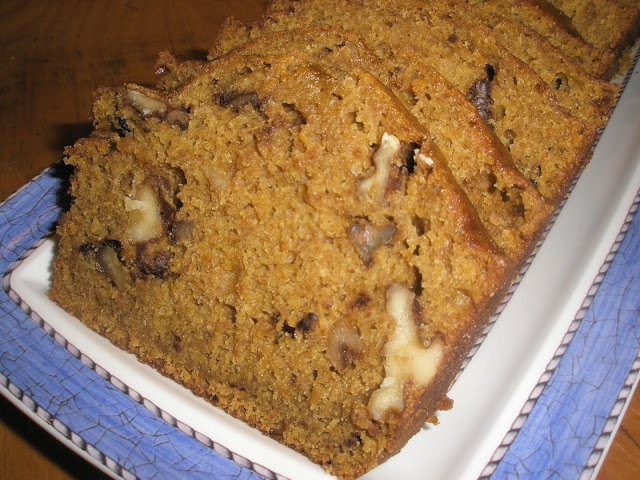 Bread With Dried Cranberries, Toasted Pecans And White Chocolate Chips ...