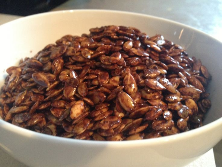 Cocoa Chili Roasted Pumpkin Seeds | Paleo snacks | Pinterest