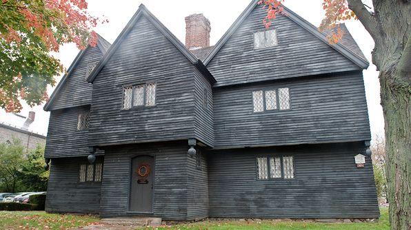 Salem witch house haunted house pinterest for Salem house