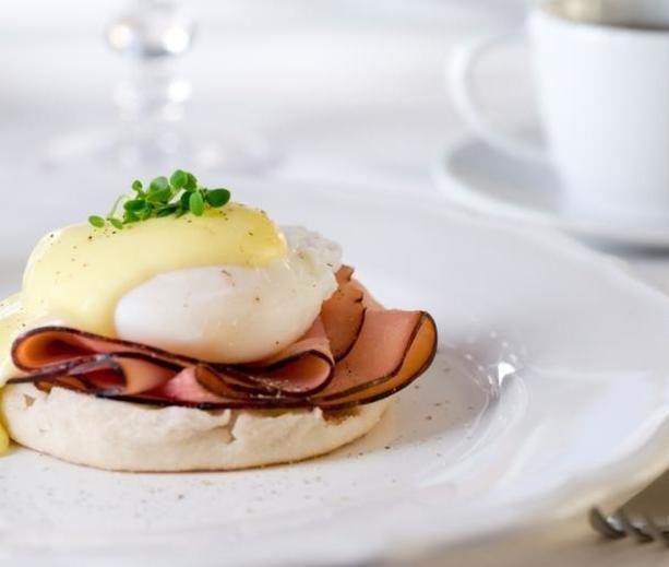 Eggs Benedict | diabetic friendly | Pinterest