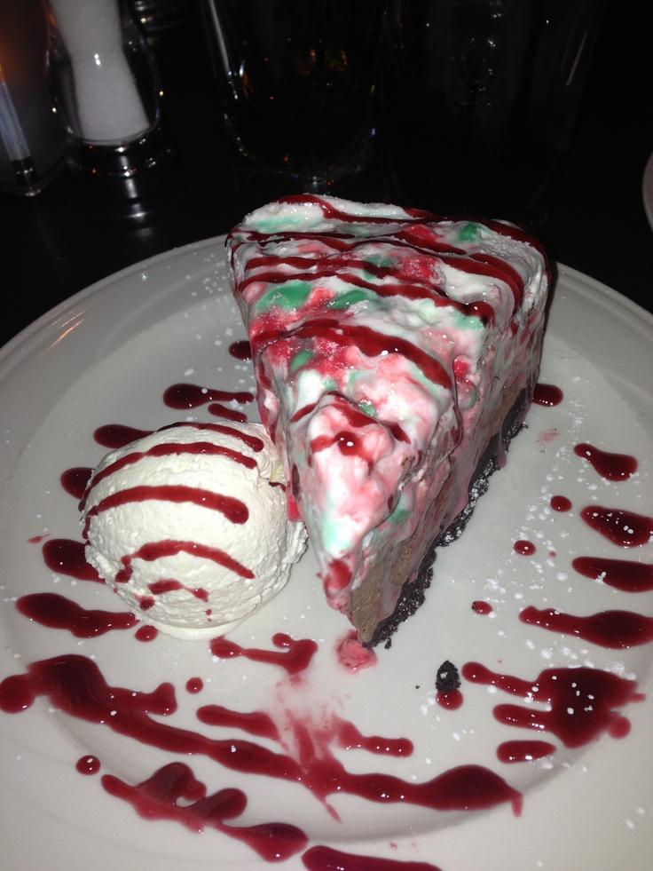 Peppermint stick ice cream pie #Christmas #winter #dessert