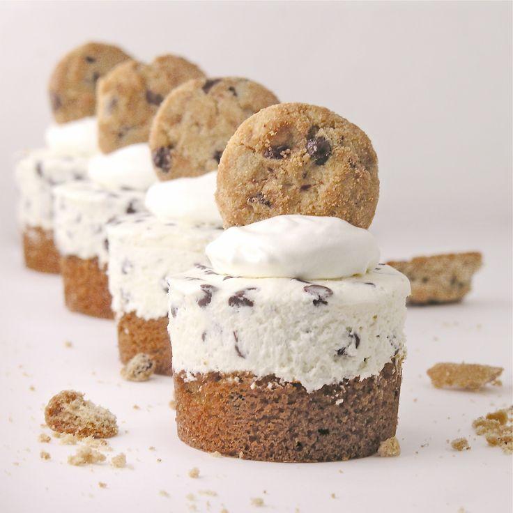 Mini chocolate chip cookie cheesecakes   Good Eats   Pinterest
