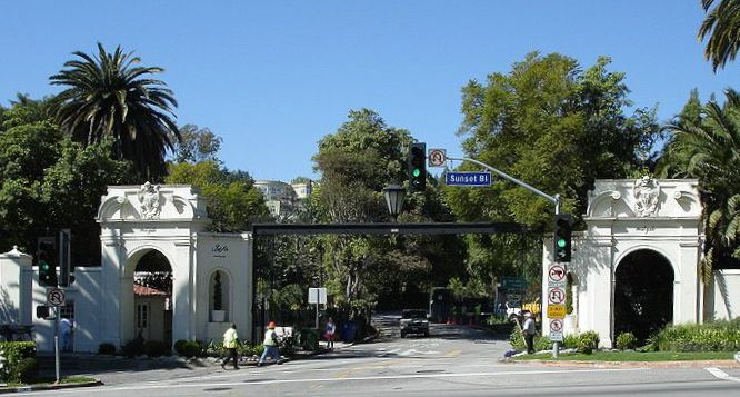 Bel Air East Gate Los Angeles Ca Time To See The World