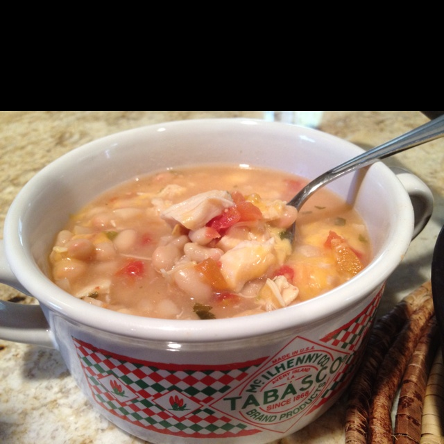 Super Easy White Chicken Chili 2-cans navy beans 1-can Rotel Tomatoes ...
