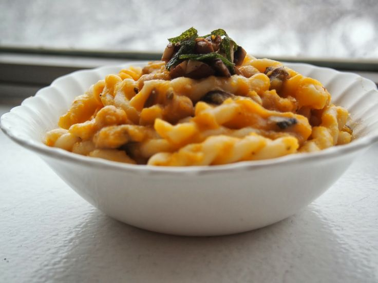Butternut Squash Sauce with Sage and Mushrooms // www.lakeshorelady ...