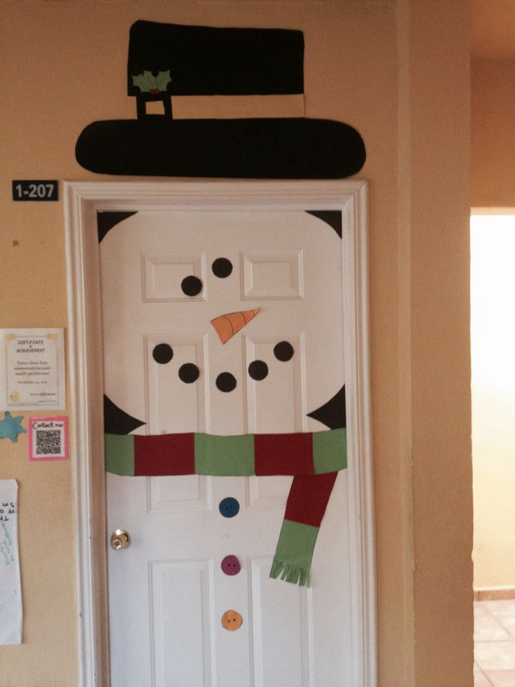 Snowman door decoration | Christmas | Pinterest