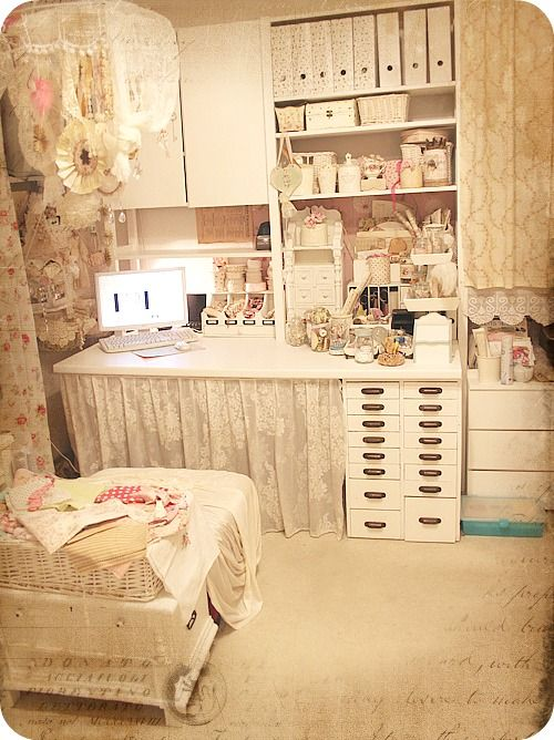 Love this shabby chic space craft room ideas pinterest for Shabby chic craft room