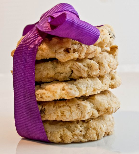 Oatmeal Crisps by Delishhh, via Flickr