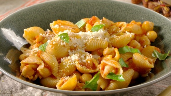 pasta with chickpea tomato sauce | Food. | Pinterest
