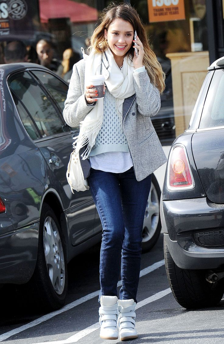 Jessica alba winter style Jessica alba fashion and style
