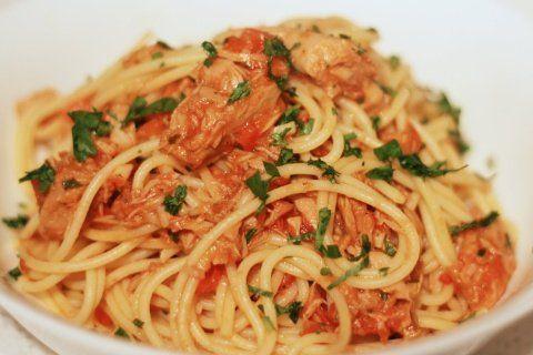 Spaghetti with Tuna Tomato Sauce | Favorite Reciepes | Pinterest