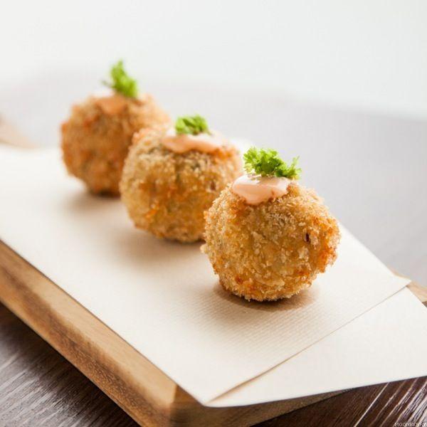 Recipe :: Cheesy Chicken Meatballs | Cooking | Pinterest
