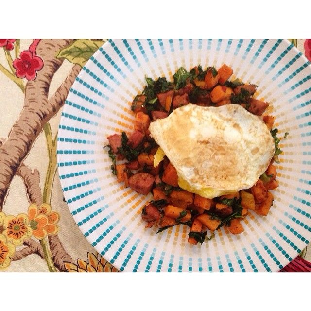 Sweet potato hash with bell pepper, chicken sausage, onion, kale and S ...