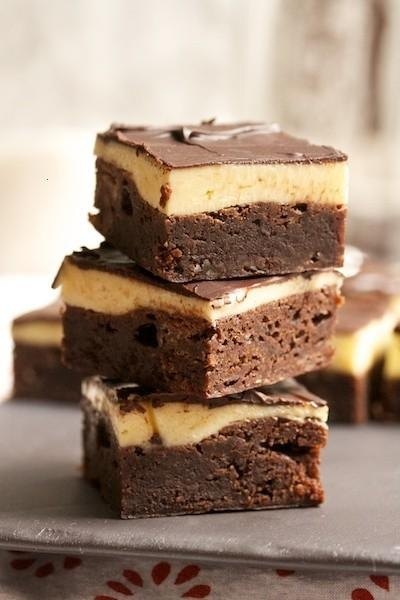 buttercream brownies~~NO RECIPE~~ IT JUST LOOKS YUMMY!!!!