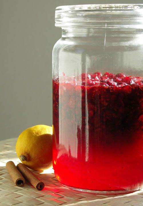 Cranberry Liqueur (Cranberry-Likör) | Recipes to Try: Beverages | Pin ...