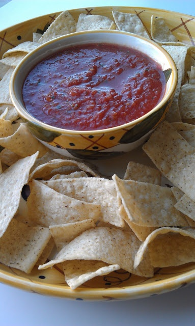 Easy homemade salsa from canned tomatoes | Yummy Vegetarian | Pintere ...