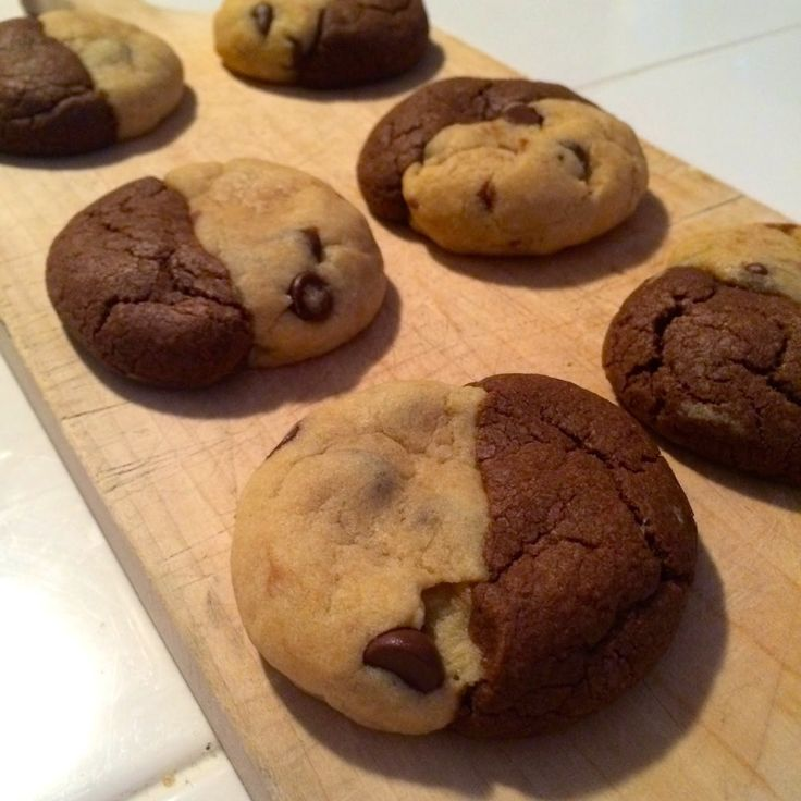 chocolate chip cookies chocolate chip cookies and vanilla brownies ...