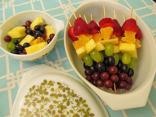 Rainbow Fruit Skewers with Yogurt Dip | School snacks | Pinterest