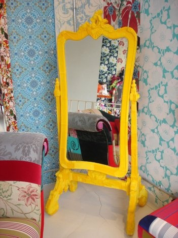 @Jacqui Maher Bushor..is this too much for my mirror color? haha (picture it down-down stairs)