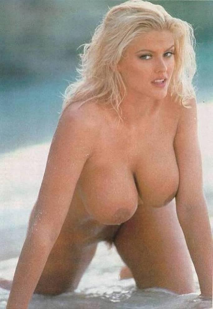 anna nicole smith modeling photos nude