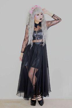 pastel goth / nu goth