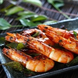 Grilled Curry Shrimp Skewers With Grilled Onions & Red ...