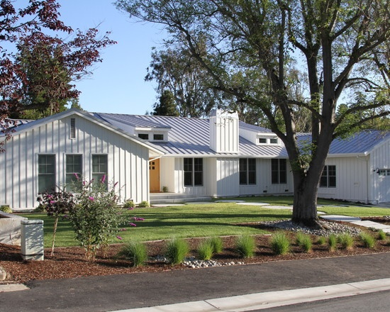 Pin by amy kropp on my home style pinterest for Ranch house curb appeal