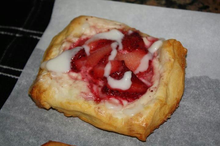Strawberry cream cheese puff | Sweets n Treats | Pinterest