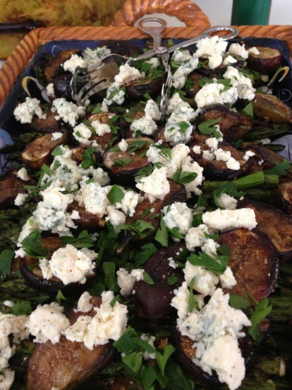 ... blue cheese and walnuts wilted escarole salad with figs bacon and blue