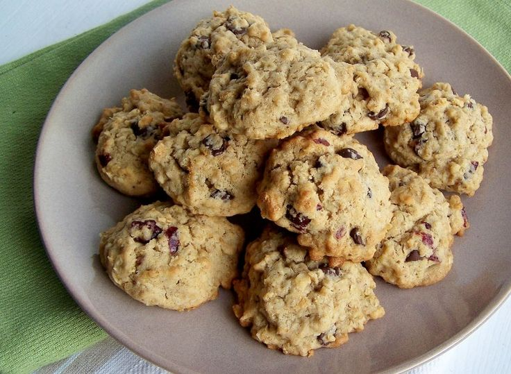 Oatmeal Quinoa Cookies with Cranberries & Chocolate