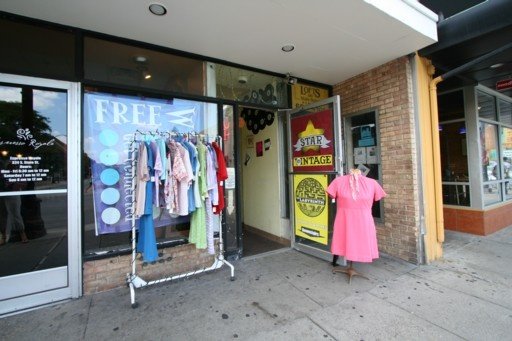 Star Vintage Clothing Store - Ann Arbor. One of my favoritest clothing