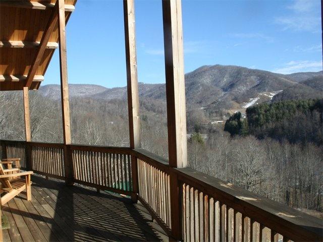 Mockingbid mountain boone nc cabin rental for Boone cabin rentals nc