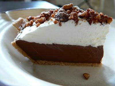 Chocolate Hazelnut Pudding Pie with Candied Cashews